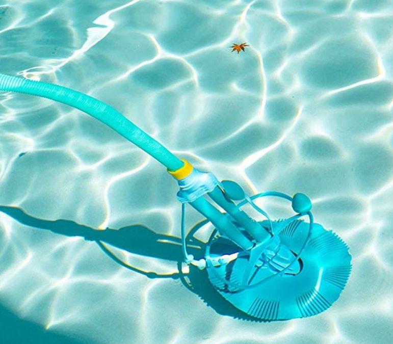 limpiar una piscina de manera correcta