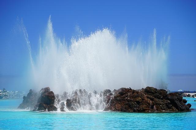 prevenir la evaporación de la piscina